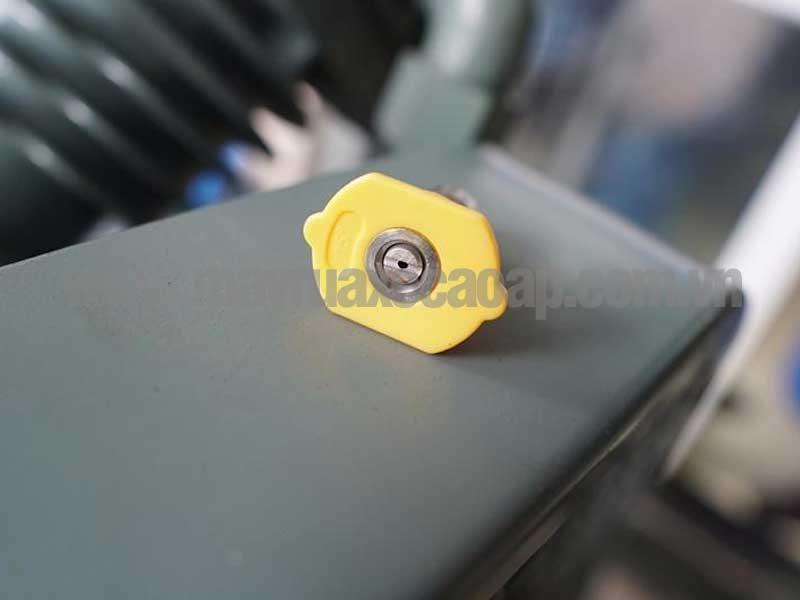 Đầu béc 15 độ cho tia nước phun ra hình quạt tạo thành 1 góc 15 độ