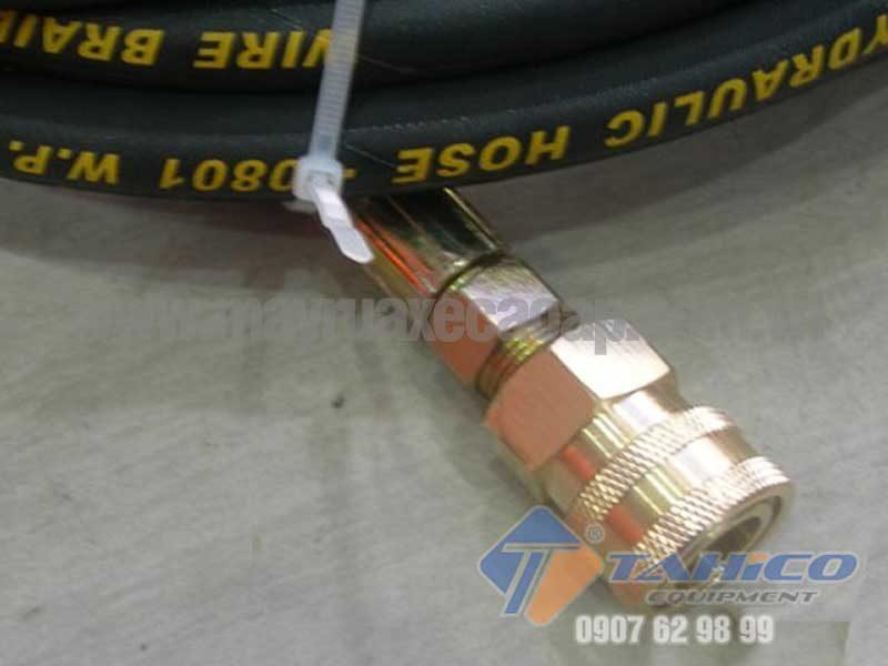 Dùng để nối siêu nhanh dây cấp nước với đầu vào máy xịt rửa áp lực cao
